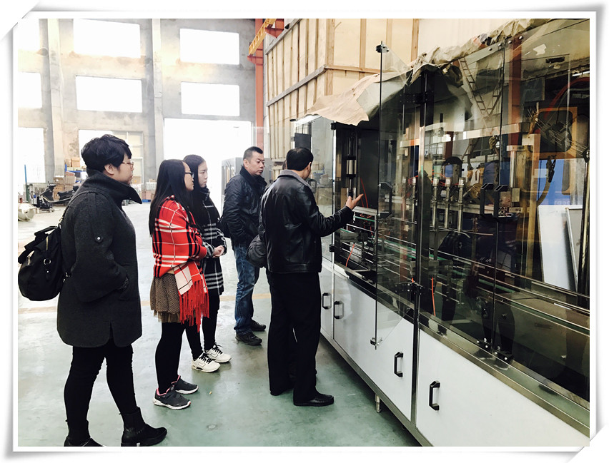 Customers from Xi'an visited us for 4 in 1 juice filling equipment